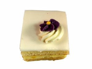 Chipolata cake petit-four €1,85